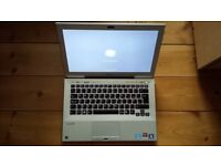 Sony Vaio VPCSB Ultrabook laptop Intel 2.2ghz Core i3 2ND gen CPU ATI Graphics with backlit keyboard