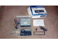 Alpine CDE - 113BT Car Stereo - Bluetooth - Ipod - Iphone - MP3 - Usb - CD
