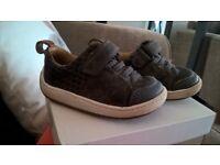 boys Clarks shoes size 4.5G boys