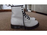 SIZE 5 DR MARTENS WHITE PATENT BOOT NEARLY NEW