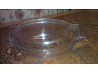 Pyrex Corning oval clear glass casserole dish with lid - 4 litre