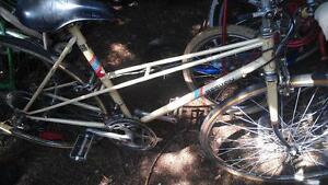 Vélo 10 vitesses beekay 27 pouces