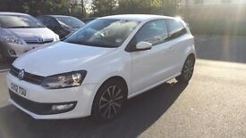 Volkswagen Polo 1.4 Match (Candy White) £4800 o.n.o