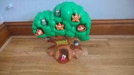 Moshi monster tree house and moshi's