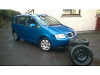 VW Touran 2.0 TDi. Plus 4 Winter Tyres. 5 seats-VW Service History.1 previous owner-full year MOT.