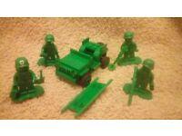 Lego Toy Story 7595 Army Men on Patrol.