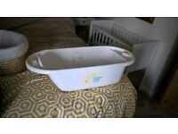 Mothercare Safari Moses Basket with free matching baby bath