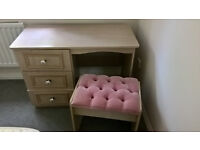 Dressing table, stool and 2 bedside cabinets