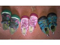 3x Keen shoes