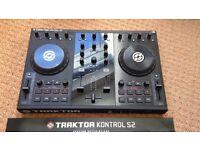 NI Traktor s2 DJ Decks with 2 M-Audio speakers