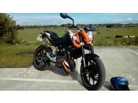 KTM DUKE 125cc. 2012. Mot may 2017