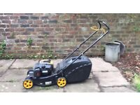MCCULLOCH M40-125 Petrol Lawnmower