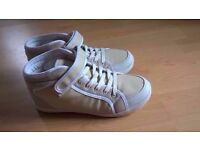 White/Beige hi top women trainers, Size 6.5, worn once, very comfy spring shoes