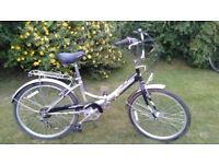 folding bike adult 24 inch wheel,full sized,six speed,very tidy,runs well