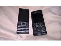2 sony Ericsson old phones