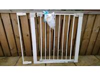 Safety 1st stair gate 73-80cm with 7cm extension