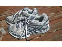 Saucony Running Shoes size 5 (38)