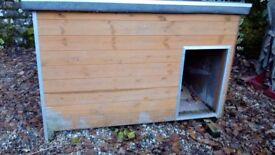 For sale dog kennel very well made in very good condition