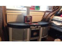 Toy cooker/kitchen