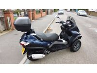 vespa Piaggio mp3 250 2010 scooter trike like fuoco 500 yourban 300 metropolis 400