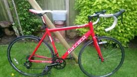 Carrera Zelos Bike