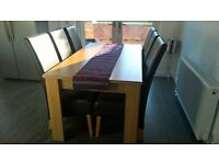 2nd hand Oak veneer dining table with 6 chairs, from Harvies