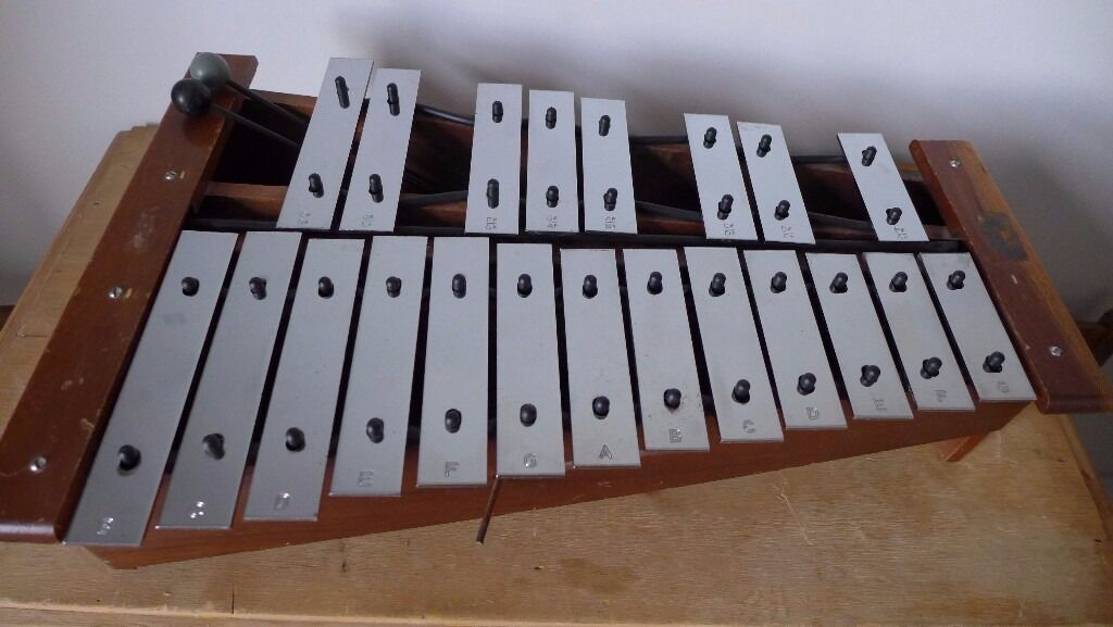 Newly refurnished vintage Hohner Granton Glockenspiel. New Grommets and Rubber. 21 notes from B to G