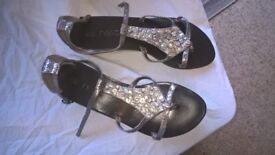 Women's ladys shoes size 4 1/2 colour black and brown 3 pairs