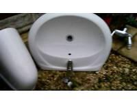 Sink + taps