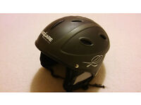 B.SQUARE QUALITY MENS SKI HELMET IN EXCELLENT CONDITION HARDLY USED