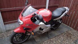 Triumph TT 600 motorbike
