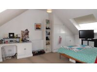 Split level 3 double bedroom 2 bathroom period apartment minutes from Oval underground station