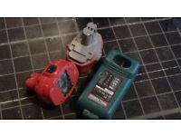 Makita DC1804T Battery Charger 18V & 2 Makita Drill Battery,s