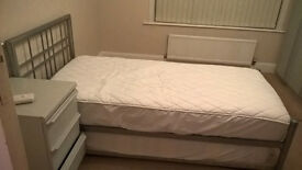 Spacious single/double room - Furnished & bills inc.