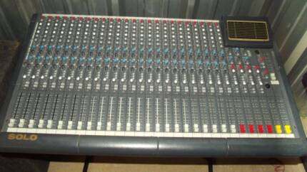 TRADE IN SOUNDTRACS SOLO 24/4 MIXING CONSOLE