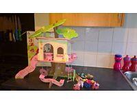 Elc Rosebud cottage tree house
