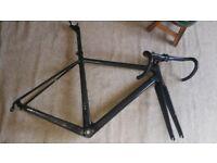 Carbon fiber Road bike bicycle frame-set for 700c wheels, Headset ,BB ,Carbon fiber Stem Handlebar