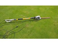 RYOBI EXTENTABLE LONG REACH HEDGE TRIMMER - ELECTRIC