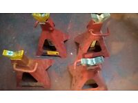 2 pairs of Clarke 6 ton axle stands