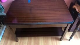 REPRODUCTION MAHOGANY COFFEE TABLE
