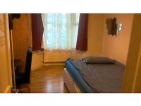 Double room, 130pw, underground/overground close,Leyton Midland