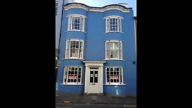 Single Room / bedsit (2available) - Delightful 18th Century Townhouse 20metres Aberystwyth seafront