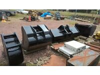 Set of digger buckets and quick hitches for sale