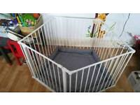 Baby Dan play pen