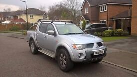 MITSUBISHI L200 DOUBLE CAB PICK UP 4x4