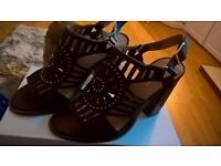 Brand new brown heeled sandals
