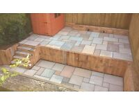 A LARGE SELECTION OF 19.5m2 NATURAL INDIAN SANDSTONE PATIO PAVING PACKS (UNOPENED)