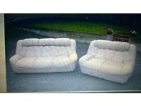 FOR SALE GOOD CONDITION 3&2 CREAM REAL LEATHER SOFA , NO RIPS OR TEARS £150 CAN BE DELIVERED