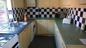 1st July 17 - 4 DOUBLE Bed House St Brendan's Rd Withington 4 x £325pcm FREE TV & LICENCE!
