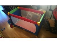 Hauck Dream-n-Play Travel Cot